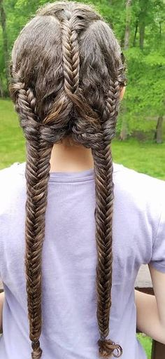 Multiple fishtails.