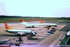 Concorde - Jan Smuts Airport 1976 And I stood right there and was looking at it! Air Zimbabwe, Boeing Planes, Johannesburg City, South African Air Force, Passenger Aircraft, British Airways, My Land, Concorde, Air Travel