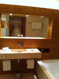 Schwarzer Adler Kitzbühel Innenausstattung Das Hotel, Bathroom Lighting, Mirror, Furniture, Home Decor, Interior Home Decoration, Eagle, Black Man, Bathroom Light Fittings