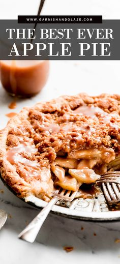 This Dutch Apple Pie is the BEST apple pie! It is a combination of a classic pie and a crisp. You get the same apple filling, flaky buttery crust, and a sweet crispy crumb topping. #applepierecipe #pierecipes #crumble | GarnishandGlaze.com Apple Pie Recipes, Tart Recipes, Bakery Recipes, Apple Pies, Kitchen Recipes, Vegan Recipes, Köstliche Desserts, Delicious Desserts, Dessert Recipes