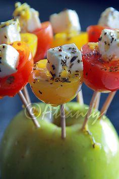 Terapia do Tacho: Espetadas de tomate e queijo feta... (Tomato and feta cheese skewers...)