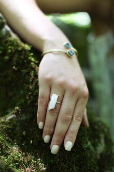 white nail polish | minimal summer look
