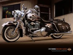 Harley Road King Classic...almost ordered this paint on my Road King Classic when I ordered it...love the color of my bike but this is a very close second!
