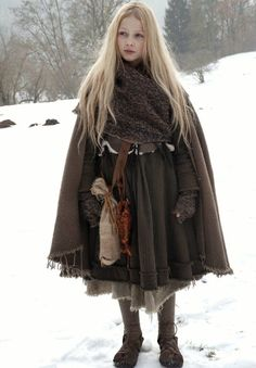 La mode Mori Girl 森 ガール - Ma passion d'Otaku Mori Girl, Mode Mori, Character Design Inspiration, Style Inspiration, Medieval Clothing, Medieval Outfits, Celtic Clothing, Medieval Costume, Medieval Fantasy
