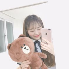 Find images and videos about kpop, loona and chuu on We Heart It - the app to get lost in what you love. Kpop Girl Groups, Korean Girl Groups, Kpop Girls, Mamamoo, Teaser, Chuu Loona, Fandom, Olivia Hye, Singing In The Rain
