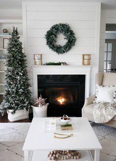 : A Simple Christmas home design. Noel Christmas, Simple Christmas, Christmas Fireplace, Modern Christmas, Rustic Christmas, Beautiful Christmas, How To Decorate For Christmas, Christmas Palace, Skinny Christmas Tree
