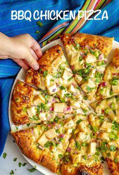 Easy BBQ chicken piz