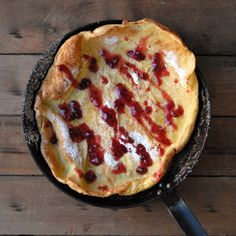 Dutch Baby Pancake | hosting a sweet breakfast