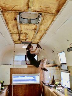 Stripping The Avion Ultra Truck Camper Vintage Campers, Vintage Trailers, Diy Camper, Camper Van, American Caravans, Do It Yourself Camper, Slide In Truck Campers, Roof Hatch, Tin Can Tourist