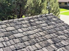 Photos Faux Cedar Shake Roof   Top Rated Synthetic Composite CeDUR Roofing Shakes Wood Roof Shingles, Cedar Shake Shingles, Cedar Shakes, Rustic Houses Exterior, Cool Roof, Roofing Materials, Roof Top, Top Rated, Roofing Products