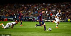 Bayern Munich defender Jerome Boateng was left floored by Messi's magic two seasons ago Lionel Messi Barcelona, Fc Barcelona, Messi Champions League, Messi Pictures, Cr7 Vs Messi, Messi Goals, Super Rugby, Good Soccer Players, Fifa