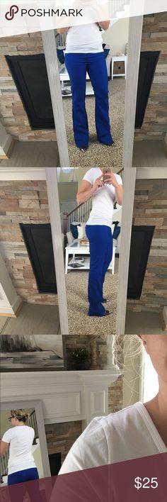 NWOT Gap dress pants NWOT. Beautiful blue dress pants. Never worn. Perfect condition. GAP Pants Boot Cut & Flare
