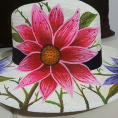 See 6 photos from 56 visitors to La Union. Tole Painting, Fabric Painting, Diy Painting, Painted Hats, Hand Painted, Sunflower Sketches, Hat Decoration, Spring Hats, Jüngstes Kind