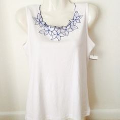 NWT Alfred Dunner Blouse Beautiful embroidery at neckline No trades /Paypal--Petite Small Alfred Dunner Tops Blouses