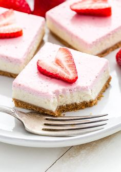 Strawberry Greek Yogurt Cheesecake Bars are perfect for spring! You'll never suspect that these creamy, rich, layered bars were lightened up! Greek Yogurt Cheesecake, Cheesecake Bars, Cheesecake Recipes, Yogurt Cake, Easy No Bake Desserts, Easy Baking Recipes, Dessert Recipes, Drink Recipes, Cheese Cake Filling