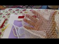 Bordado Filé - Aula 31 - YouTube Needle Lace, Filets, Lace Making, Crochet, I Am Awesome, Diy And Crafts, Embroidery, Stitch, How To Make