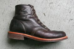 Denimhunters' Matt Wilson has been wearing the Chippewa Cordovan Service Boots for a few months and he has experienced the pros and cons of the boots.