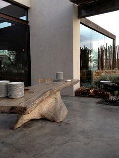 mesa tronco areias do seixo charm hotel