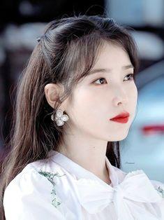 #IU #Hotel_Del_Luna #tvN #LeeJiEun #YeoJinGoo Selena Gomez Photoshoot, Kpop Girl Groups, Kpop Girls, Korean Girl, Asian Girl, Korean Idols, Iu Twitter, Le Jolie, Iu Fashion