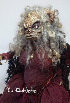 Aughra Froud cristal oscuro OOAK muñeca de arte
