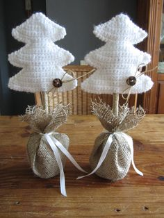 DIY Home; diverse projecten voor de decembermaand - DIY Home and Garden Crochet Tree, Crochet Christmas Ornaments, Holiday Crochet, Christmas Items, Diy Crochet, Christmas Crafts, Christmas Decorations, Crochet Decoration, Craft Fairs