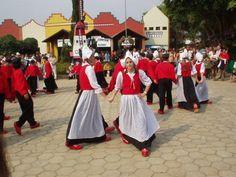 Atração - Apresentação de grupo de dança