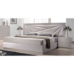 J&M Furniture 17852-K Florence King Bed in White and Taupe