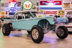 The 16 Must-Haves From Ron Pratte's Historical Auction