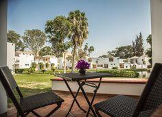 Hermosas vistas desde nuestras habitaciones Oasis, Outdoor Furniture Sets, Outdoor Decor, Home Decor, Hotels, Gardens, Decoration Home, Room Decor, Home Interior Design