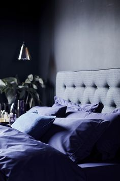 Pantone's Ultra Violet Colour of the Year 2018 and How to Use It Popular Paint Colors, American Interior, Contemporary Home Decor, Master Bedroom Design, Color Of The Year, Ultra Violet, Colorful Interiors, House Colors, Home And Living
