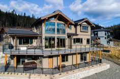 Ski Ridge Timber Frame Design – Streamline Design Wrap Around Deck, Open Concept Kitchen, Home Builders, Great Rooms, Skiing, Patio, Mansions, House Styles, Frame
