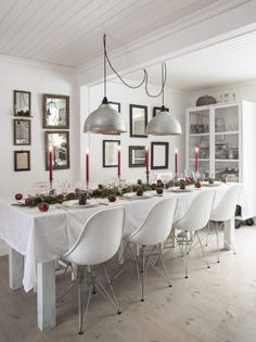 essential Christmas table setting - my ideal home...