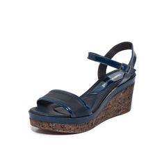 Sandália Tiras 2 cores - Sandália em pele com tiras em duas cores. Sola em TR (Thermal Rubber) e a plataforma é forrada a juta.