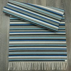 Loom Weaving, Hand Weaving, Crochet Home, Crochet Rugs, Weaving Textiles, Striped Rug, Weaving Projects, Recycled Fabric, Woven Rug