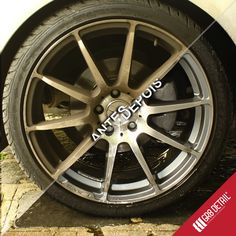 Limpeza GR8 de rodas GR8 wheel cleaning