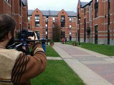 Tournage vidéo sur le site des résidences Michel-Sarrazin sur le campus de l'UQTR.
