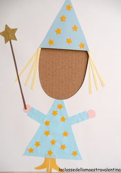 Kids can be anything they want. scissors, glue, colored paper and their dreams! Drawing For Kids, Art For Kids, Hello Kitty Invitations, Carnival Crafts, Welcome To School, Magic Party, Fairy Tales For Kids, Bedroom Crafts, Photo Booth Frame