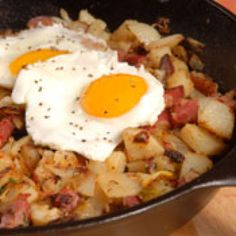 Corned beef hash with egg