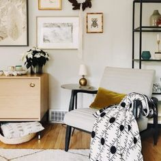 How to Style Throw Blankets like an Interior Designer, Interior Design Tips, Living Room Styling, Eye of Ra Throw, Modern Throw Blanket Best Neutral Paint Colors, Barn Living, City Living, Modern Bungalow, White Rooms, Chair And Ottoman, Armchair, Velvet Pillows, Haciendas
