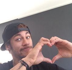 Awww :') Neymar Jr, Barcelona Team, Tumbrl Girls, Play Soccer, Football Players, My Hero, Valentino, My Love, People