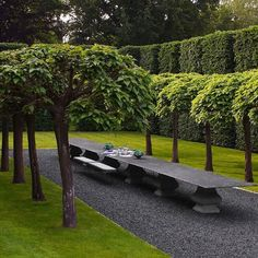 """1,228 Likes, 103 Comments - Cordelia Fox Design (@cordeliafoxdesign) on Instagram: """"Wow...this garden belongs to the super talented @anouskahempeldesign love those hornbeam hedges,…"""""""