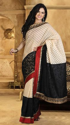 Sarees Online: Shop the latest Indian Sarees at the best price online shopping. From classic to contemporary, daily wear to party wear saree, Cbazaar has saree for every occasion. India Fashion, Asian Fashion, Ethnic Fashion, Latest Indian Saree, Indian Sarees Online, Pakistani Outfits, Indian Outfits, Indian Attire, Indian Wear