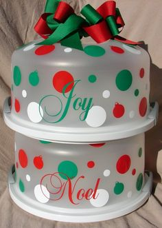 Personalized Cake Carrier...Great for gifts at the holidays for teachers and friends