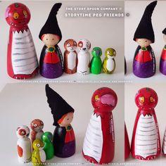 Small world. Wooden Pegs, Wooden Diy, Swedish Christmas, Christmas Time, Felt Dragon, Story Sack, Rainbow House, Wood Peg Dolls, Character And Setting