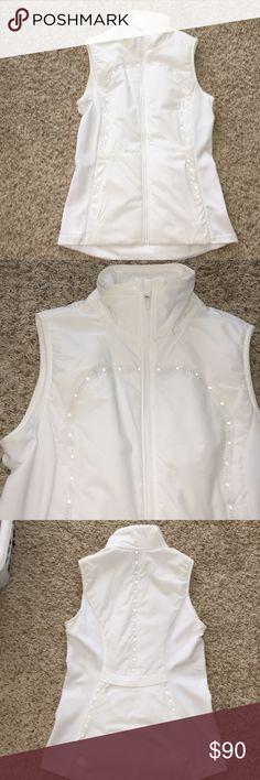 Lululemon vest Lululemon white vest Size 6 Perfect condition lululemon athletica Jackets & Coats Vests