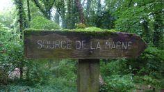 à Balesmes dans la grotte de Sabinus naît la Source de la Marne - Gérard Rondeau