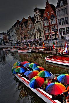 Gent, Belgium! Bizzat bu semsiyeleri bu teknede ve burada acmisligimiz var❤️