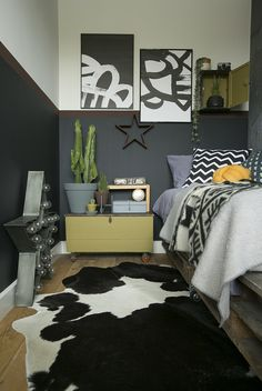 Master bedroom decor ideas It is not required to place all the television within the family room. In addition, you can take a seat and relax by using a friend to hook up. Teen Room Decor, Bedroom Decor, Bedroom Ideas, Young Mans Bedroom, Boys Bedroom Paint, Master Bedroom, Student Room, Teen Bedroom Designs, Teenage Room