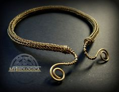 Golden Viking knit Celtic torc necklace - by Mythologicacreations on Etsy