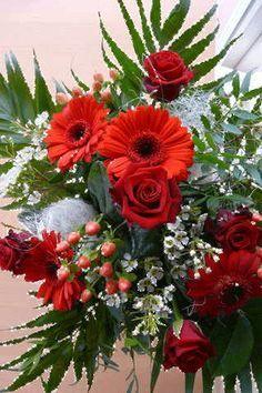 Birthday Greetings For Daughter Flower 37 Best Ideas Beautiful Rose Flowers, Beautiful Flower Arrangements, All Flowers, Floral Arrangements, Birthday Greetings For Daughter, Devin Art, Flower Phone Wallpaper, Red Roses, Floral Wreath